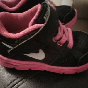 Little girls nikes